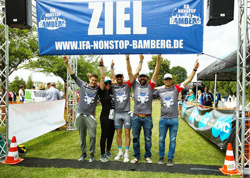 Team Mahrs Bräu nicht alkoholfrei beim Ifa Nonstop Triathlon in Bamberg